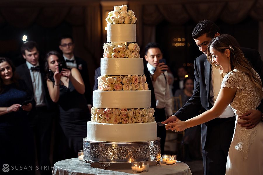 Oheka Castle wedding cake