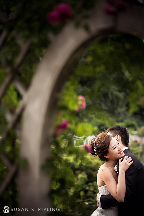 bride and groom at brooklyn botanical garden wedding