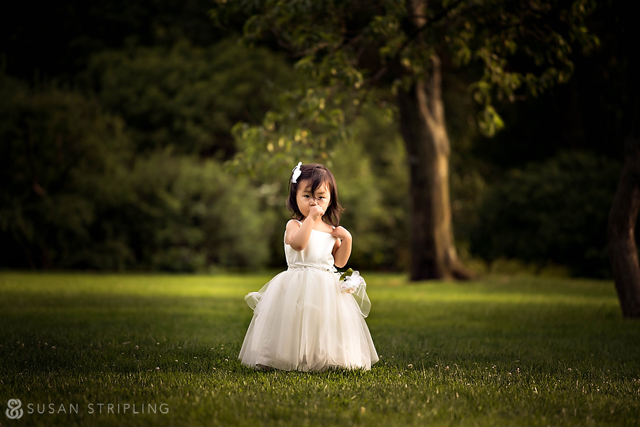 brooklyn botanical garden wedding flower girl
