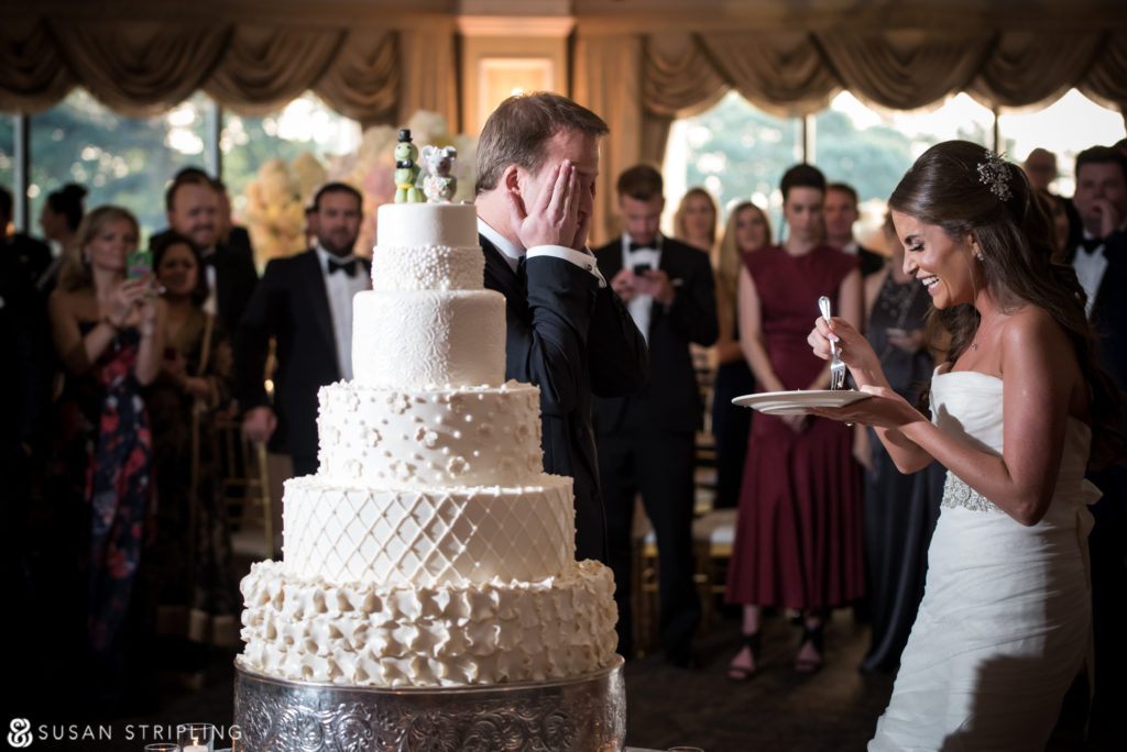 cake cutting at oheka castle
