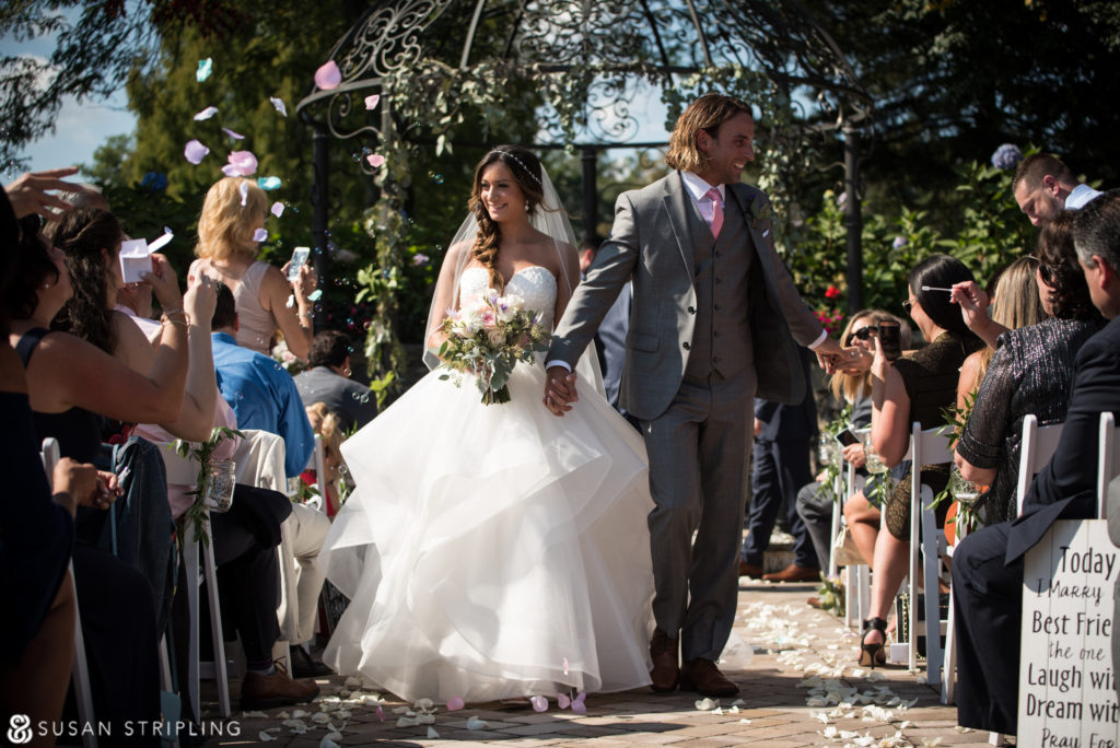 Summer Wedding at the West Hills Country Club ceremony