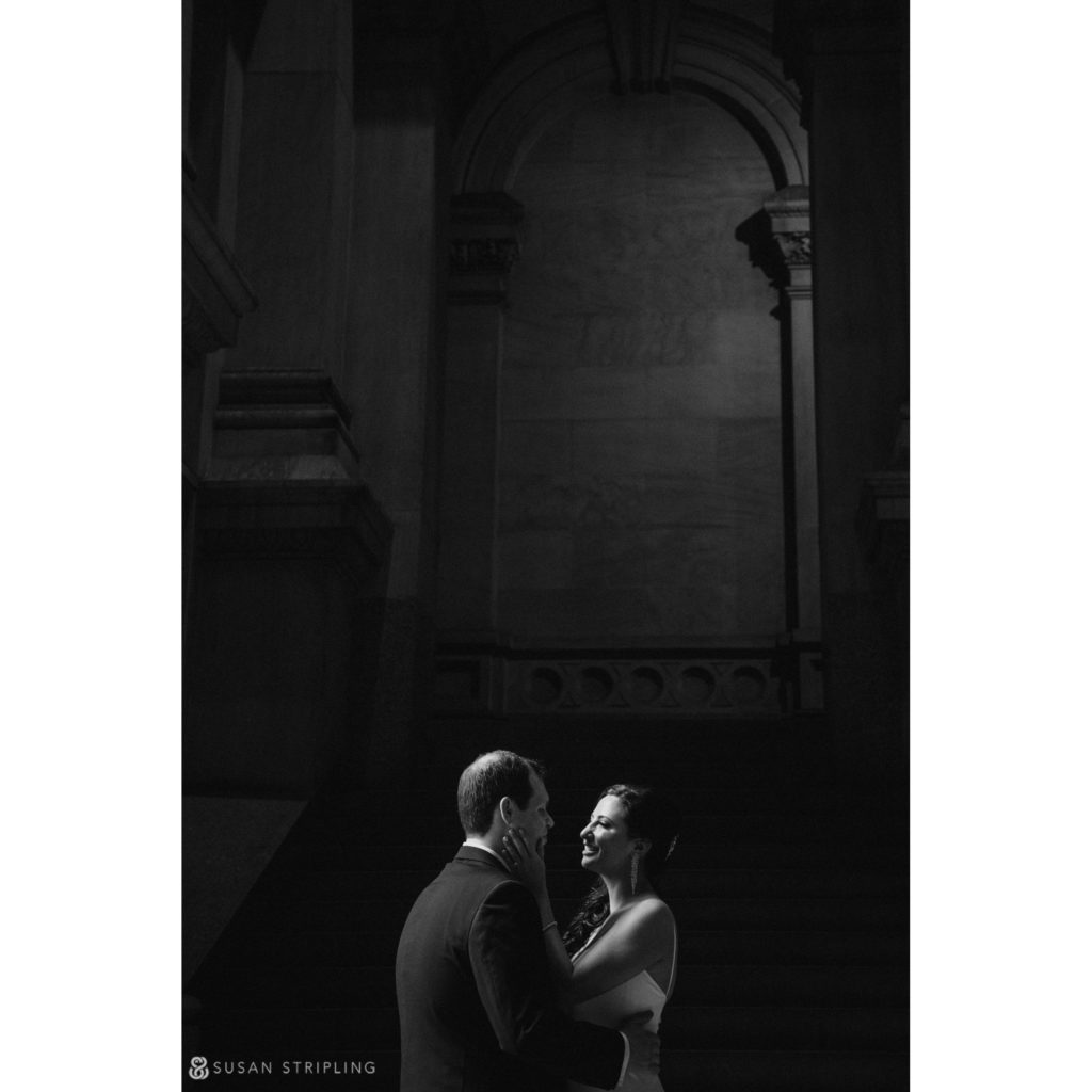 wedding pictures philly city hall
