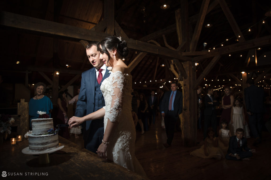 cake cutting barn wedding vermont