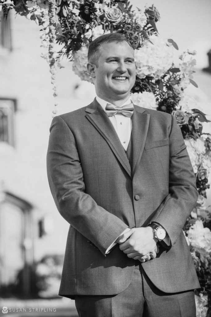 lessings whitby castle wedding outdoor ceremony
